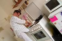 Was gibt es heute zu essen? Kochen in der Berliner WG. Eher bleibt heute die Küche kalt...