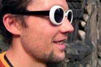 Einfach mal ganz cool bleiben. Sonnenbrille auf und durch ...