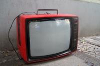 Praktisch: Den Fernseher immer dabei, auch auf der Straße...