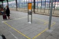 Raucherzone auf einem deutschen Bahnhof