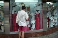 Ein Blick ins Schaufenster eines Dessous-Geschäfts in Rio de Janeiro