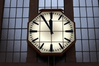 Bahnhofsuhr: Es ist 5 vor 12