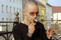 gepflegt eine Zigarette rauchen ...