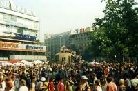 Love Parade in Berlin am Tauentzien, 1995