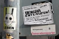 Uengha entlaufen! Wer, wo, was? Aufkleber in Berlin-Friedrichshain...