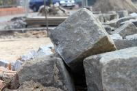 Baustellen und aufgerissen Straßen prägen das Berliner Stadtbild