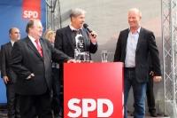 Berlins Bürgermeister Klaus Wowereit beim Wahlkampf in Neukölln
