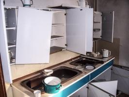 alter Küchenschrank samt Spüle