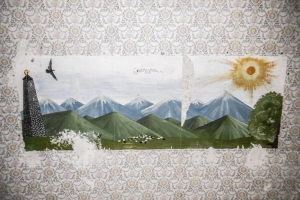 altes Wandbild in sowjetischer Kaserne