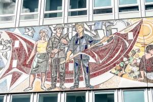Mosaik am Haus des Lehrers