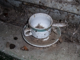 verstaubte Mitropa-Kaffeetasse