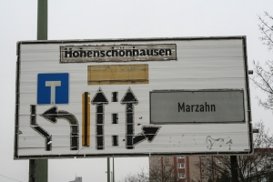 Wegweiser nach Hohenschönhausen und Marzahn