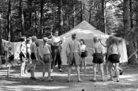 Kinder in einem DDR-Zeltlager, Sommerferien in der 50er Jahren
