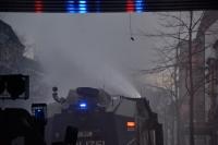 Polizei stoppt Rote Flora Demo in Hamburg