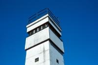 Beobachtungsturm / Grenzturm der DDR-Grenztruppen an der innerdeutschen Grenze
