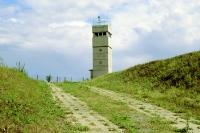 Grenzturm und Kolonnenweg bei Schlagsdorf