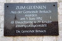 Gedenktafel für die Zwangsumsiedlungen in Berkach, Aktion Ungeziefer im Jahre 1952