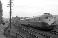 Schnellzug am Bahnhof von Bad Schandau in der DDR, 1955