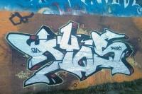 Graffiti an einer ehemaligen Eisenbahnbrücke am südlichen Stadtrand von Berlin
