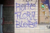 Rote Flora bleibt! - Schriftzug in Berlin Neukölln