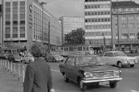 Kraftfahrzeuge / Autos in Düsseldorf, NRW, BRD, 60er Jahre