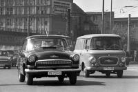 Wolga und Barkas in Ostberlin, DDR, 60er Jahre