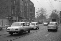 Straßenverkehr in Ostberlin, Autos in der DDR: Trabant, Barkas, Wartburg, Skoda... 70er Jahre