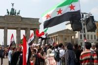 syrische Bürger demonstrieren in Berlin für ein freies Syrien