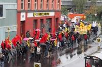 Berliner Montagsdemo zieht durch Kreuzberg, 16.10.2010