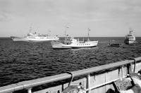 Schiffe auf der Ostsee an der Küste der DDR, 60er Jahre