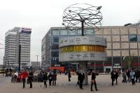 Weltzeituhr am Alexanderplatz in Berlin, 2011
