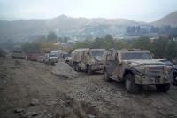 Militärkonvoi / Militärfahrzeuge in Faizabad (Feyzabad, Fayz Abad), Islamische Republik Afghanistan