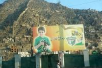Werbung für Kindernahrung in der afghanischen Hauptstadt Kabul, Islamische Republik Afghanistan