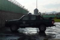 Police in Kabul, Polizeifahrzeug vor einem Hochsicherheitscamp, Islamische Republik Afghanistan