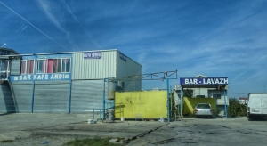 Auto waschen steht in Albanien hoch im Kurs