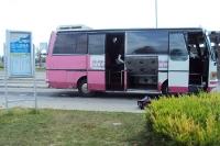 kleiner Shuttlebus in der albanischen Hauptstadt Tirane / Tirana