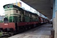 Lokomotive eines albanischen Personenzuges