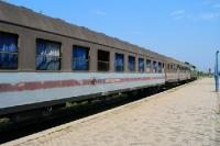 Eisenbahnwaggons auf dem Bahnhof von Durres
