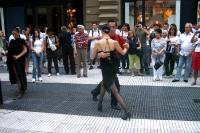 Tango tanzen im Stadtzentrum von Buenos Aires, Argentinien