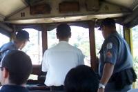 Polizeibegleitung in der Bonde / Straßenbahn nach Santa Teresa in Rio de Janeiro