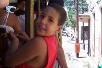 Brasilianischer Junge in der Bonde von Lapa nach Santa Teresa in Rio