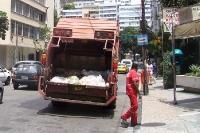 Müllabfuhr bei der Arbeit in Rio de Janeiro