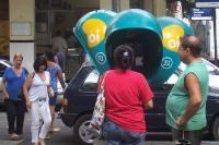 Telefonzelle / Telefonbox in Brasilien, Telefonieren auf der Straße