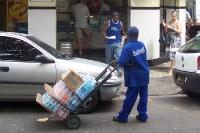 Wasserlieferung für ein Geschäft in Rio de Janeiro