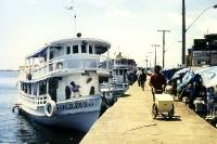 Amazonas-Schiffe im Hafen von Santarem