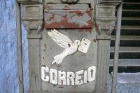 historischer Briefkasten in Rio de Janeiro