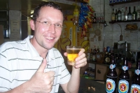 Ein Cerveja in einer Bar in Copacabana