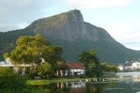 Blick auf den Corcovado von der Lagoa Rodrigo de Freitas aus