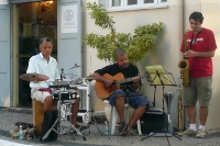Musiker in einem Café in Copacabana in Rio de Janeiro