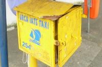 gelber Kasten der Urca Iate Taxi - Segeltaxi in Rio de Janeiro